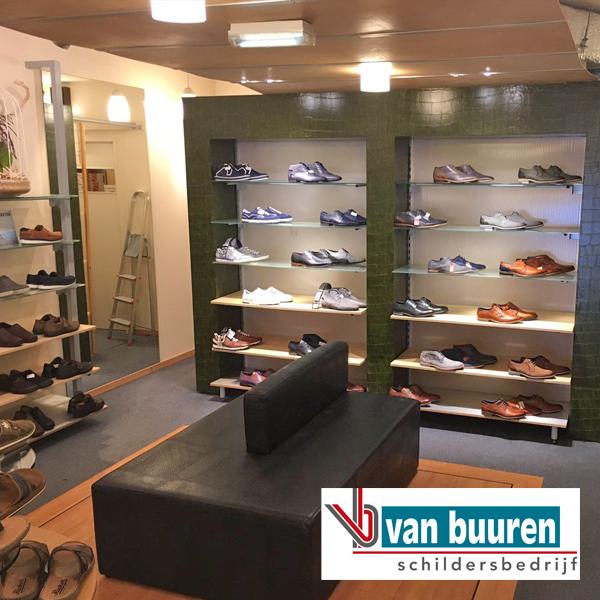 VanBuuren_behang_crocodil-look_Olthuis-schoenen_Epe_NA