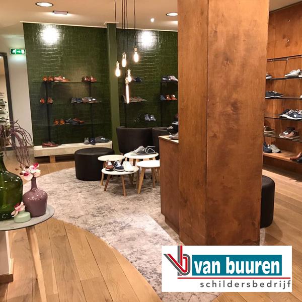 VanBuuren_behang_crocodil-look_Olthuis-schoenen_Hattem_NA