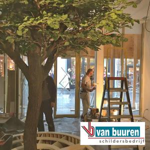 Van Buuren boomschors behang, Van Bommel schoenenwinkel in Breda